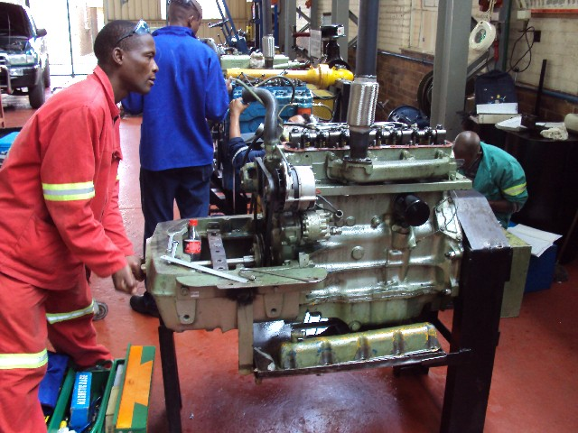 how to become a diesel mechanic in south africa